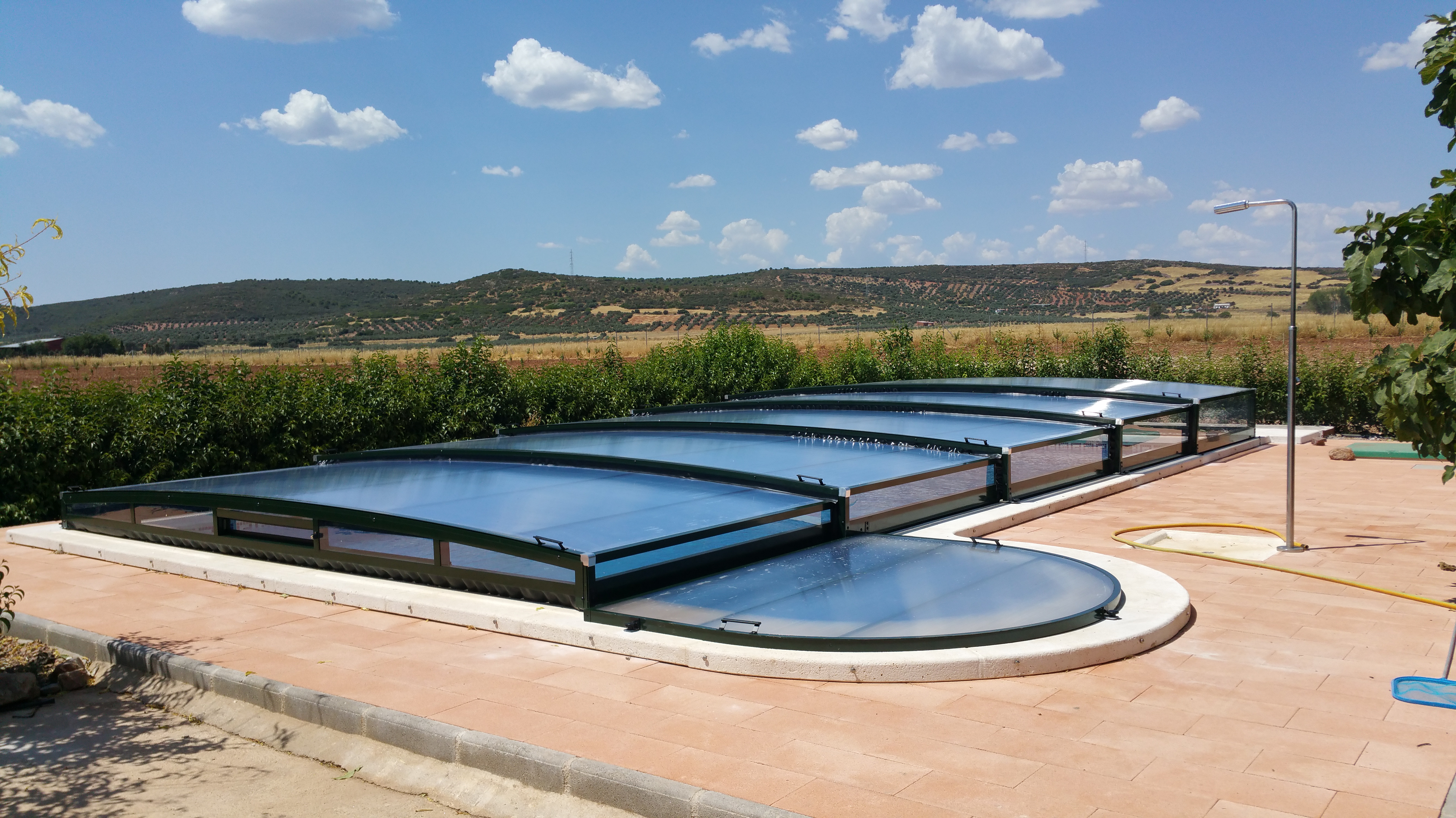 Cubierta elevada telescópica piscina Atenea